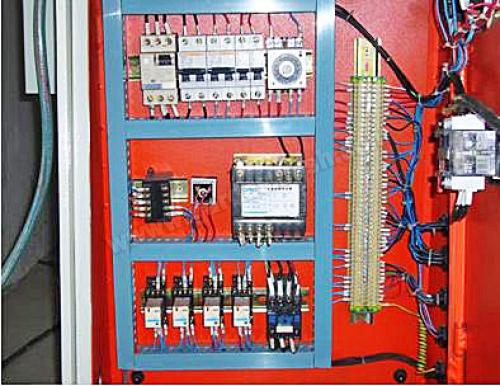 Электрическая часть под управлением  Omron и Schneider Electric - Telemecanique (24 V  управление клапанами)