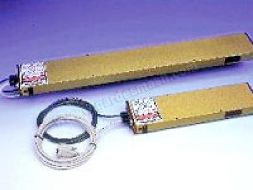 Лазерные датчики перемещения AR-600. Лазерные системы измерения и регулировки